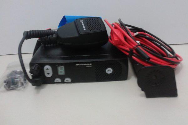 Rádio EM200 Móvel