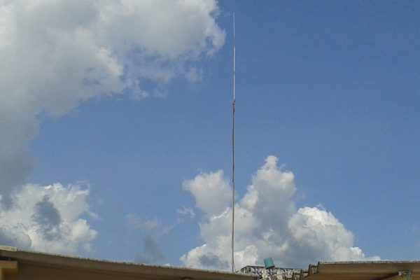 Antena Plano terra S&LAntenas 7Dbi excelência em alcance bom acabamento