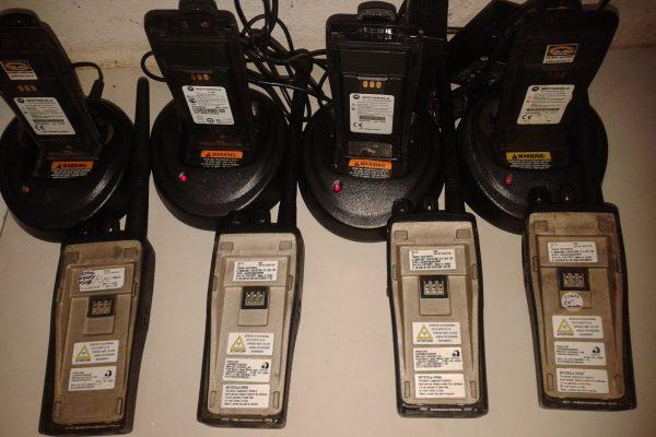 Rádios EP450 no carregamento individual
