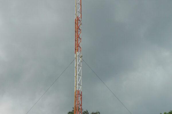 Torre Galvanizada Triangulo 0,35cm Contoneira em Andamento