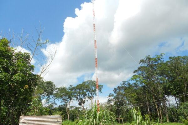 Torre galvanizada já instalada